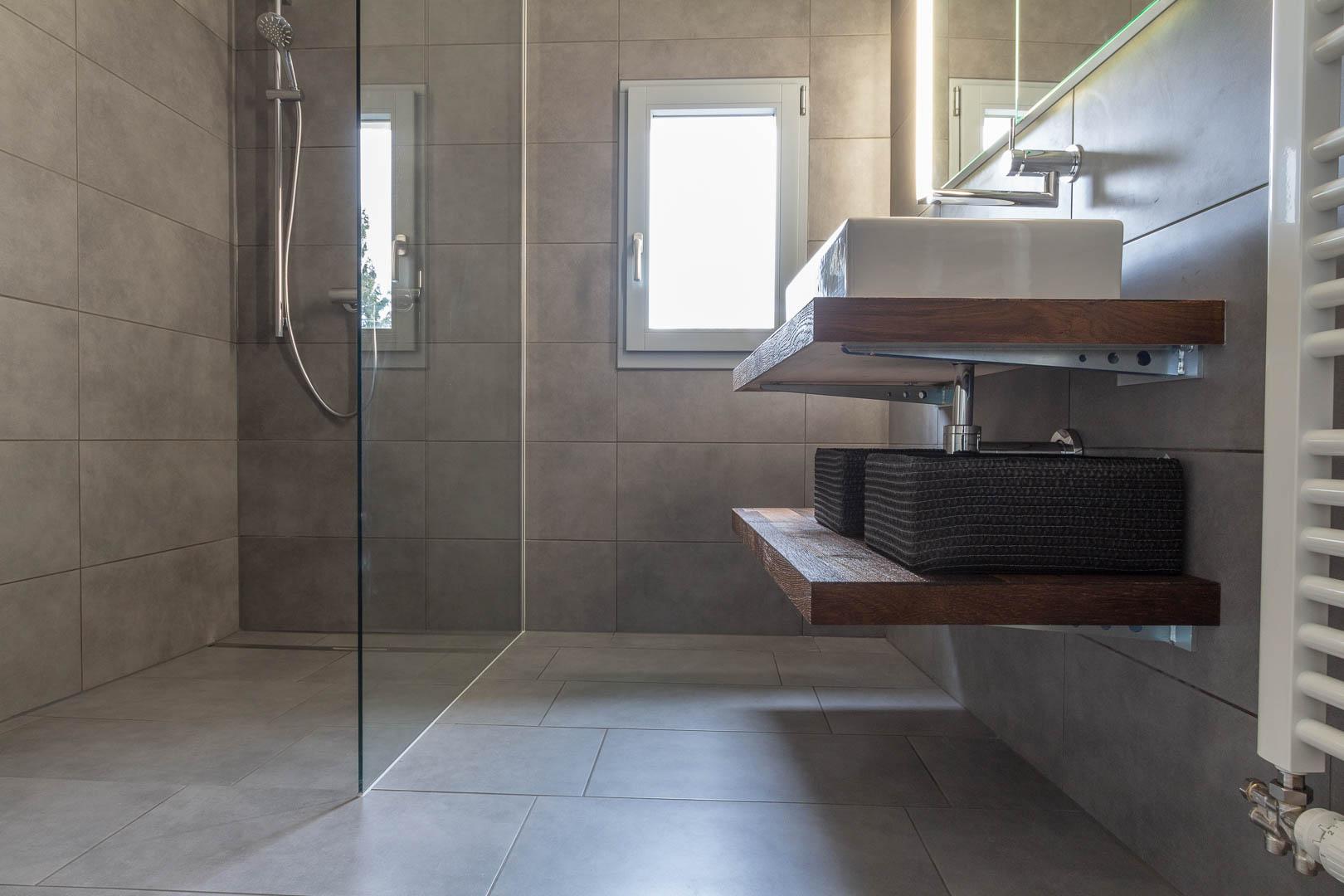 Cr ation d 39 une salle d 39 eau avec douche l 39 italienne - Realisation d une douche a l italienne ...