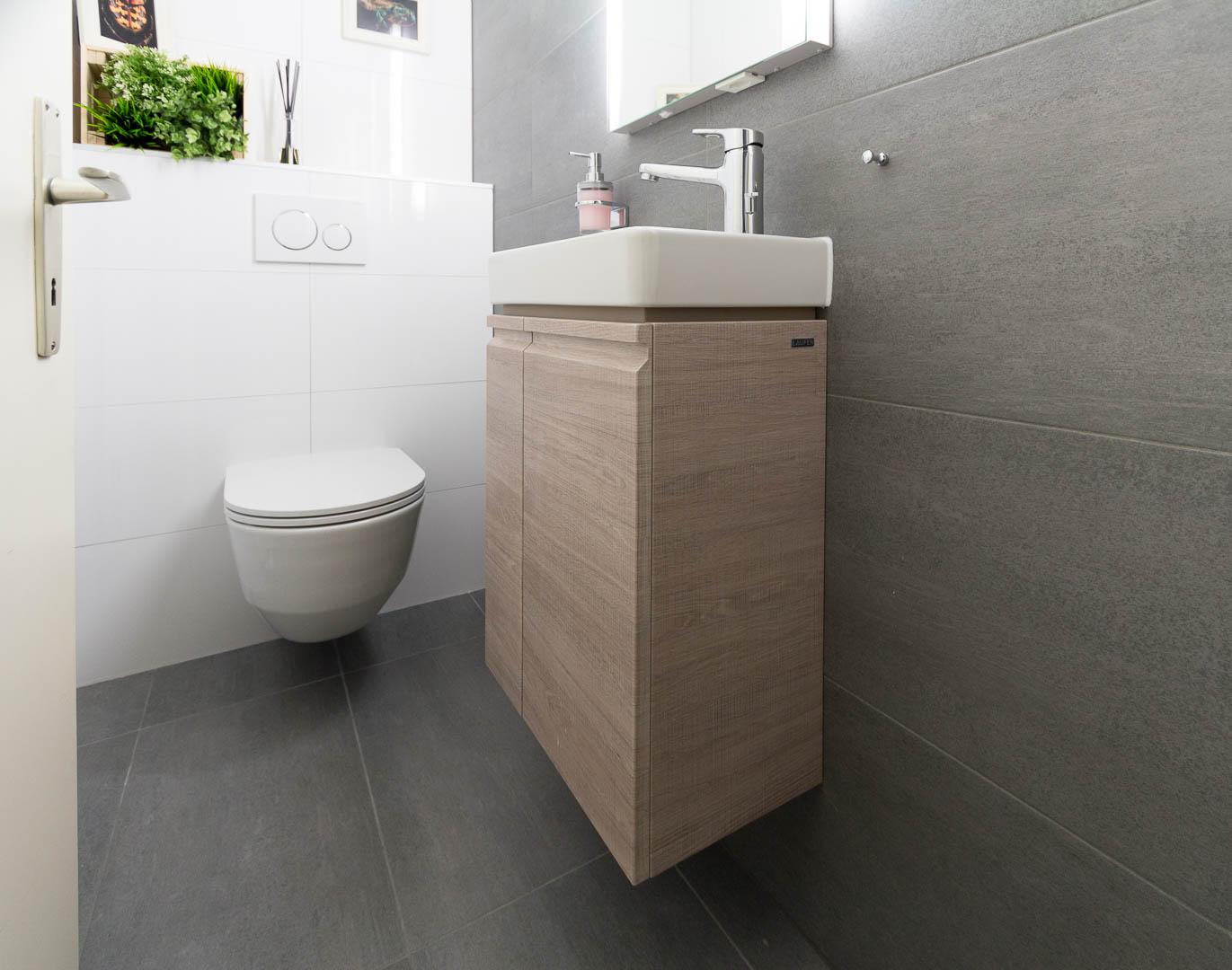 r novation d un wc s par st blaise nos r alisations. Black Bedroom Furniture Sets. Home Design Ideas